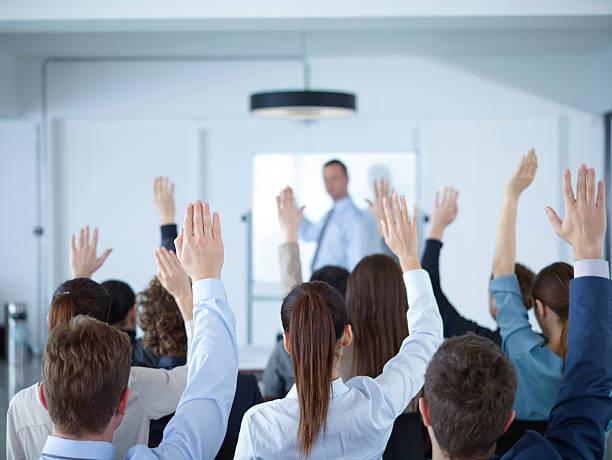Geschäftsmann, eine Präsentation im Tagungsraum – Foto
