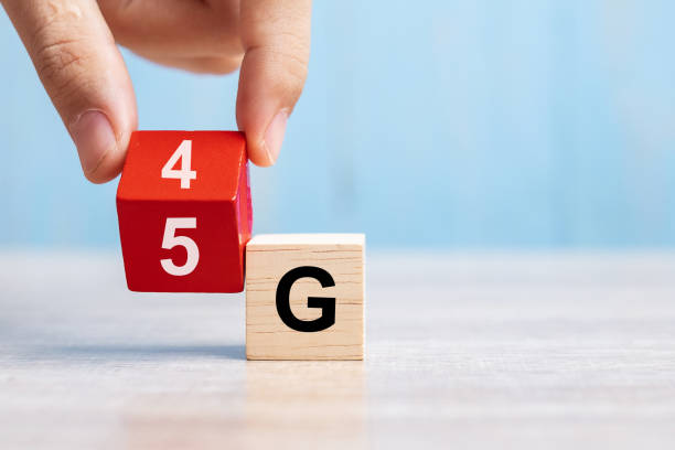 businessman hand change wooden block from 4g to 5g. technology, network, communication concept - 4g foto e immagini stock