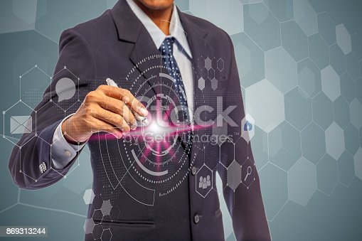 Businessman hand drawing diagram icon for social media connection, cloud technology concept, internet concept