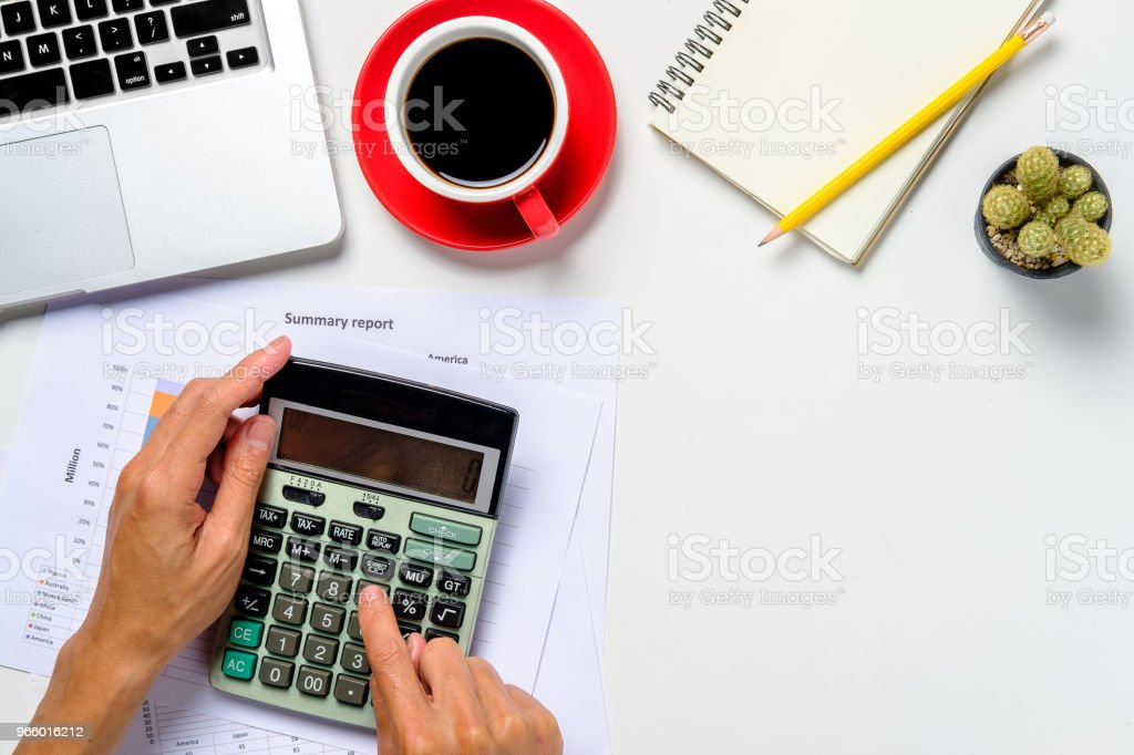Businessman hand working with financial data - Royalty-free Adult Stock Photo