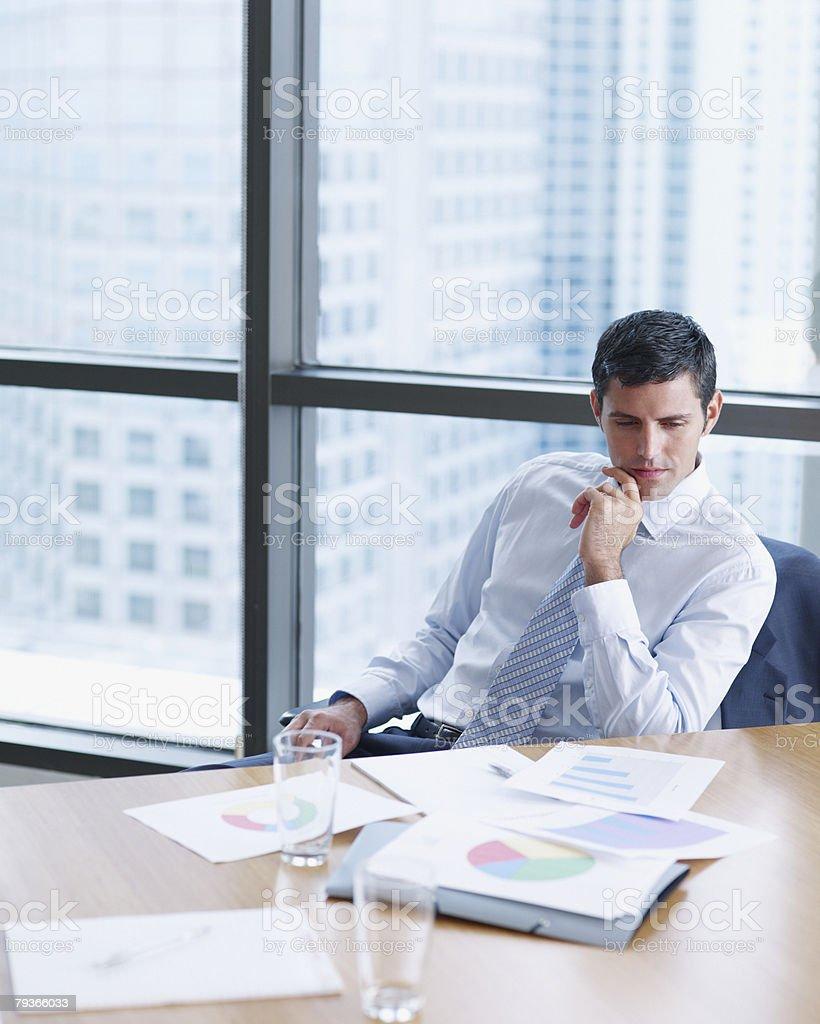 Person in 회의실, 차트 대형 창문 royalty-free 스톡 사진