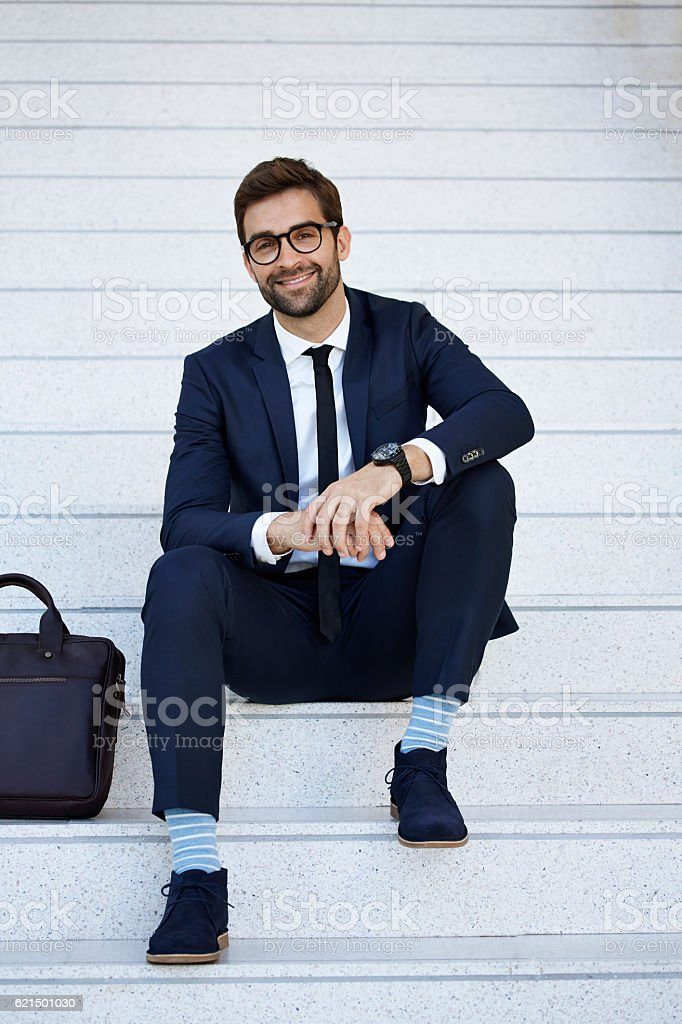 Businessman looking at camera with confidence photo libre de droits