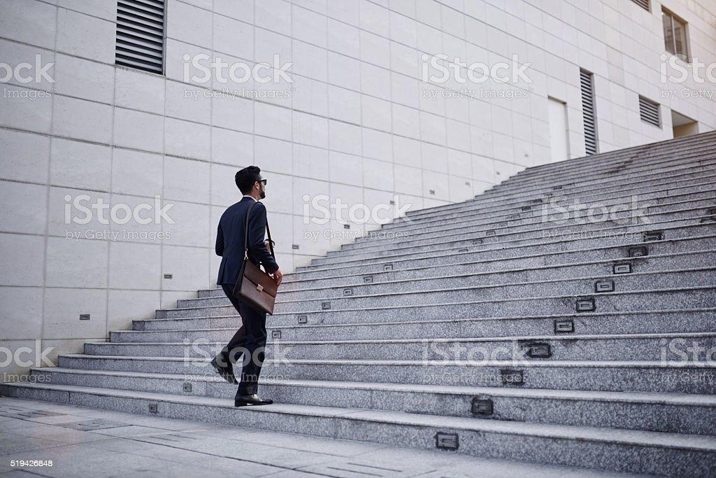 Geschäftsmann auf Treppe - Lizenzfrei Treppe Stock-Foto
