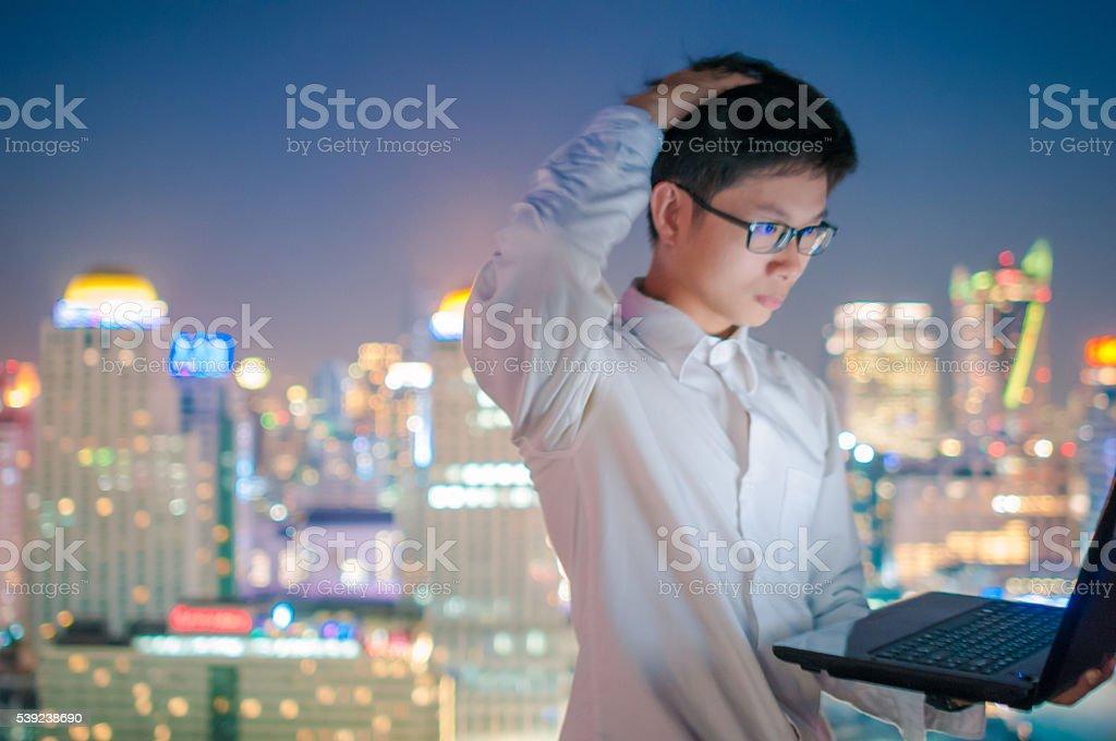 Empresário no terraço foto royalty-free