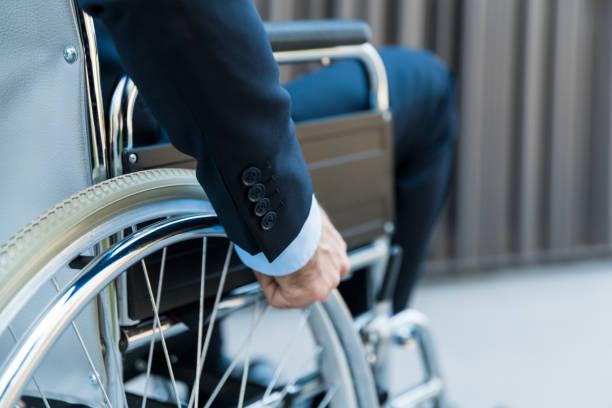 Geschäftsmann im Rollstuhl – Foto