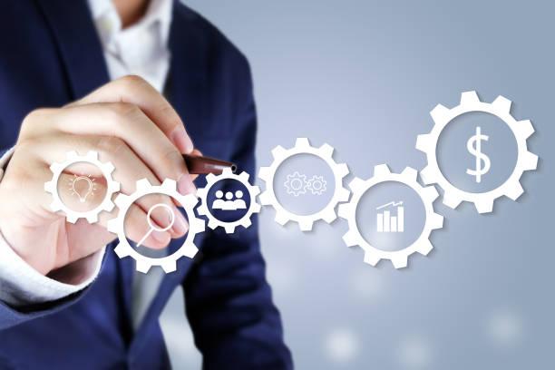 zakenman aanwijsapparaat virtueel scherm. pictogram bedrijfsconcept - roadmap stockfoto's en -beelden