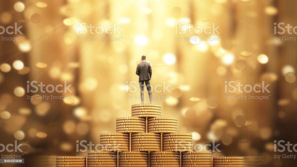 Empresario de pie con paraguas bajo la lluvia de dinero - foto de stock