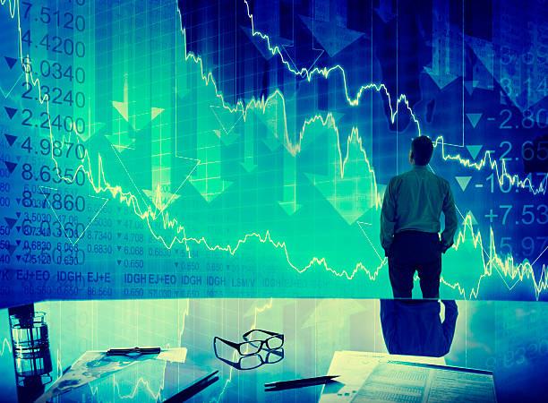 geschäftsmann stock market crash-finanzen-konzept-krise - börsencrash stock-fotos und bilder
