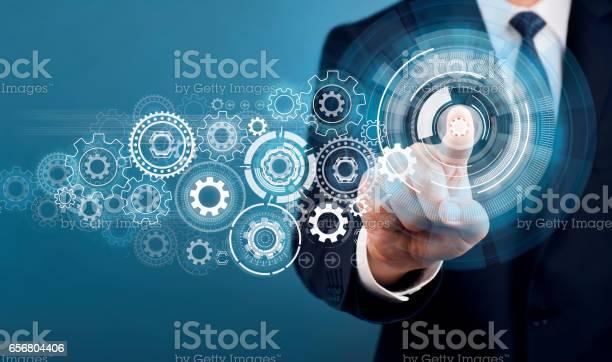 Geschäftsmann Touchscreenkonzept Stockfoto und mehr Bilder von Arbeiten