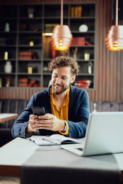 Geschäftsmann mit Smartphone. – Foto