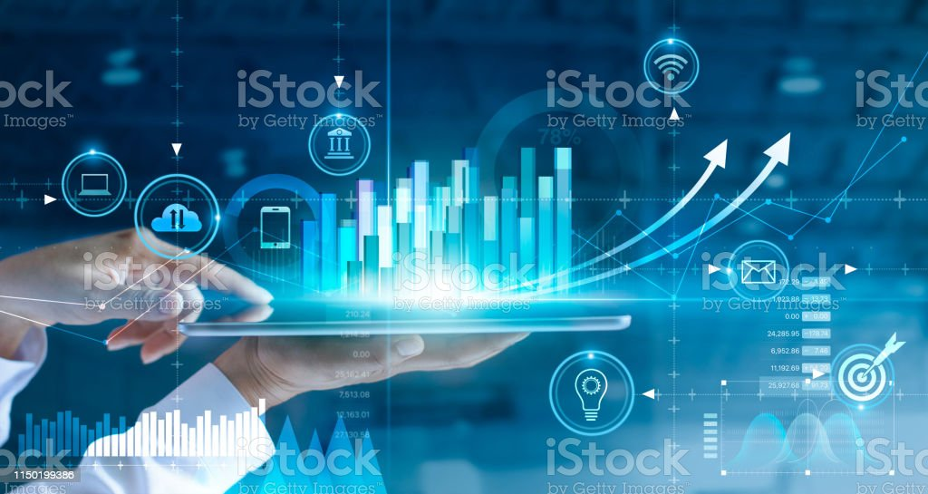 Businessman using tablet analyzing sales data and economic growth graph chart. Business strategy. Abstract icon. Digital marketing. - Foto stock royalty-free di Adulto