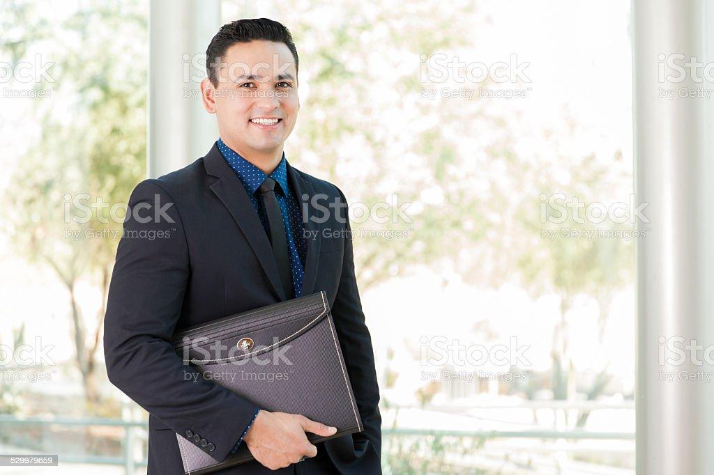Geschäftsmann mit einem portfolio – Foto