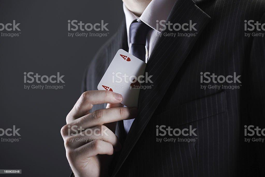 Homme d'affaires avec carte ace - Photo