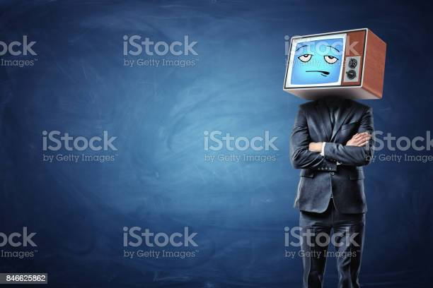 Businessman with folded hands and an old tv on his head showing a picture id846625862?b=1&k=6&m=846625862&s=612x612&h=rzmpfbxarbaqrzscsq4jdravppdcw oghvsmfhileye=