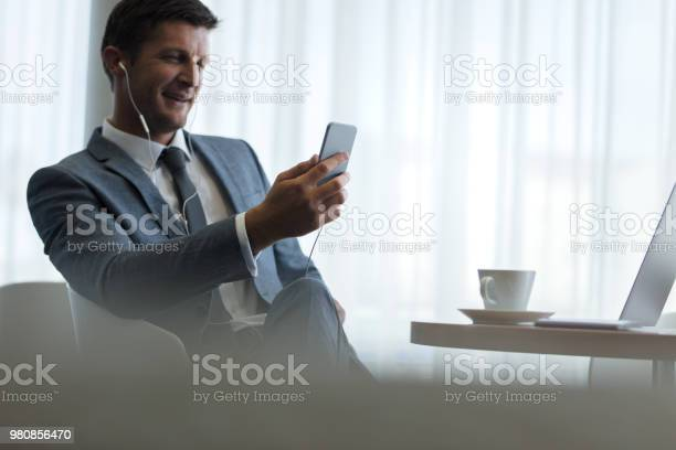 Businessman with smartphone having video call picture id980856470?b=1&k=6&m=980856470&s=612x612&h=mj0x8vdz a7v90z78uy052vewqc26vrdvemr roth c=
