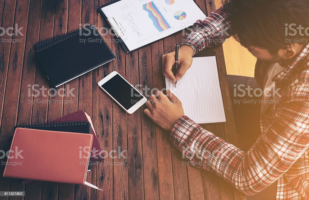 Businessman working on a desk - foto de stock