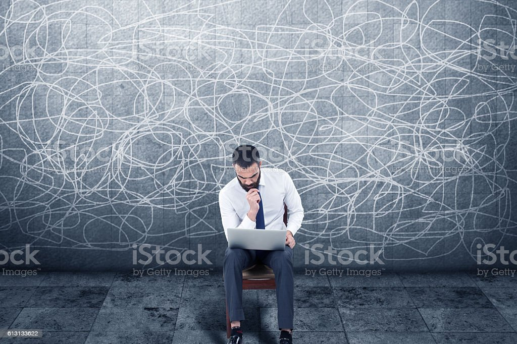 Geschäftsmann Arbeiten am laptop  – Foto