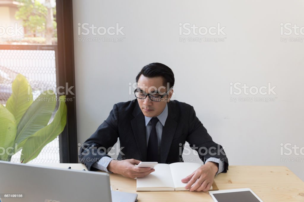 Businessman working with smartphone, tablet and computer. foto stock royalty-free