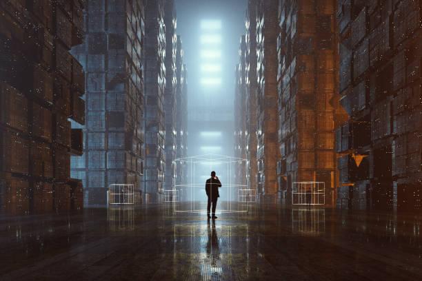 Geschäftsleute auf dem Handy in futuristischen dunkle Stadt – Foto