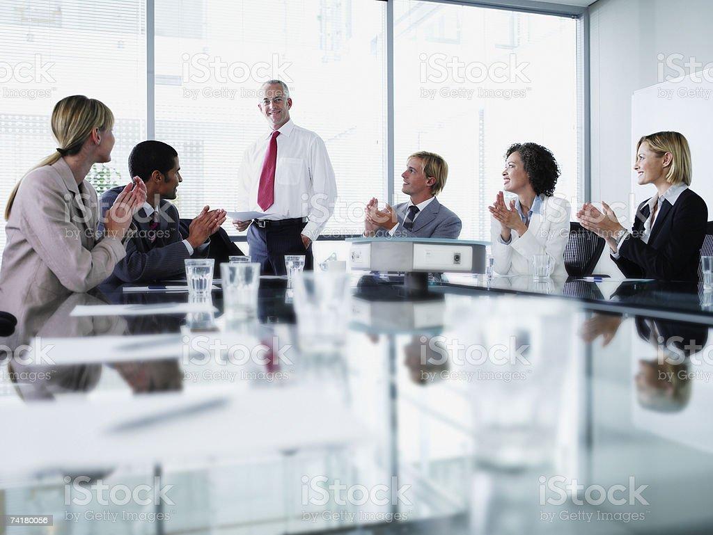 Empresários em reunião foto de stock royalty-free