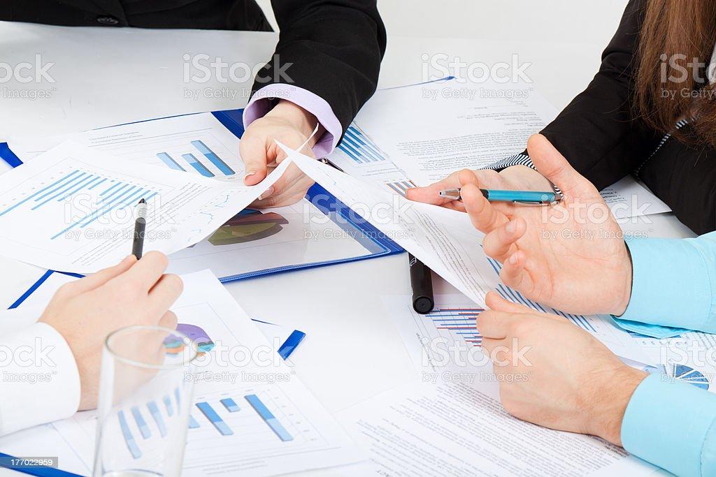 Geschäftsleute Hände Papierkram – Foto