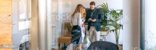 Businesspeople having an informal work meeting picture id1206225071?b=1&k=6&m=1206225071&s=612x612&h=rp15 yguao8q88asde yez x3h96lnuxp11eixo5go0=