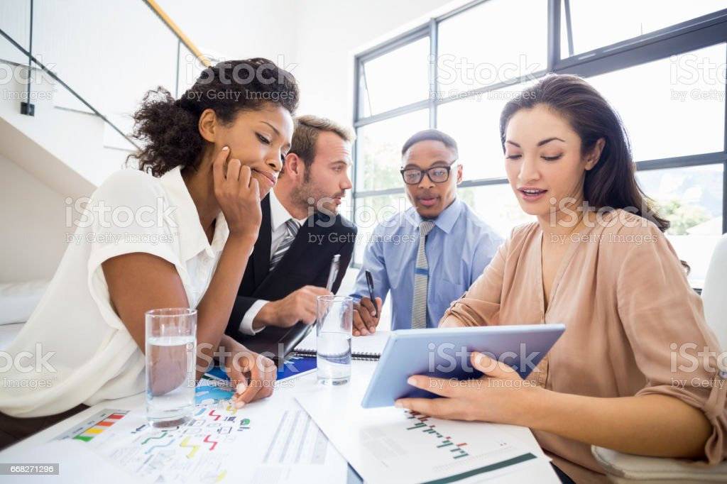 Businesspeople in a meeting foto stock royalty-free