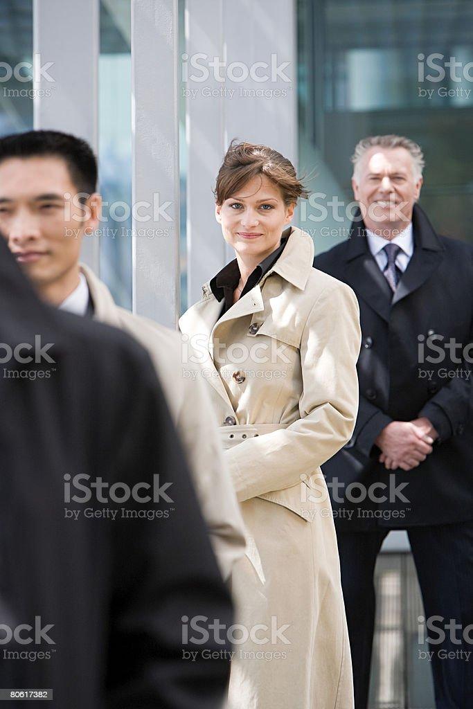 Empresários em uma linha foto de stock royalty-free