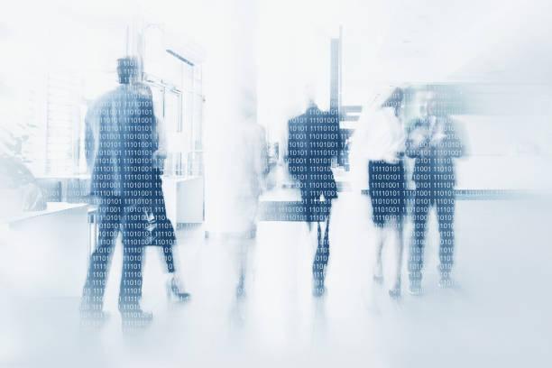 Hommes d'affaires en code binaire - Photo