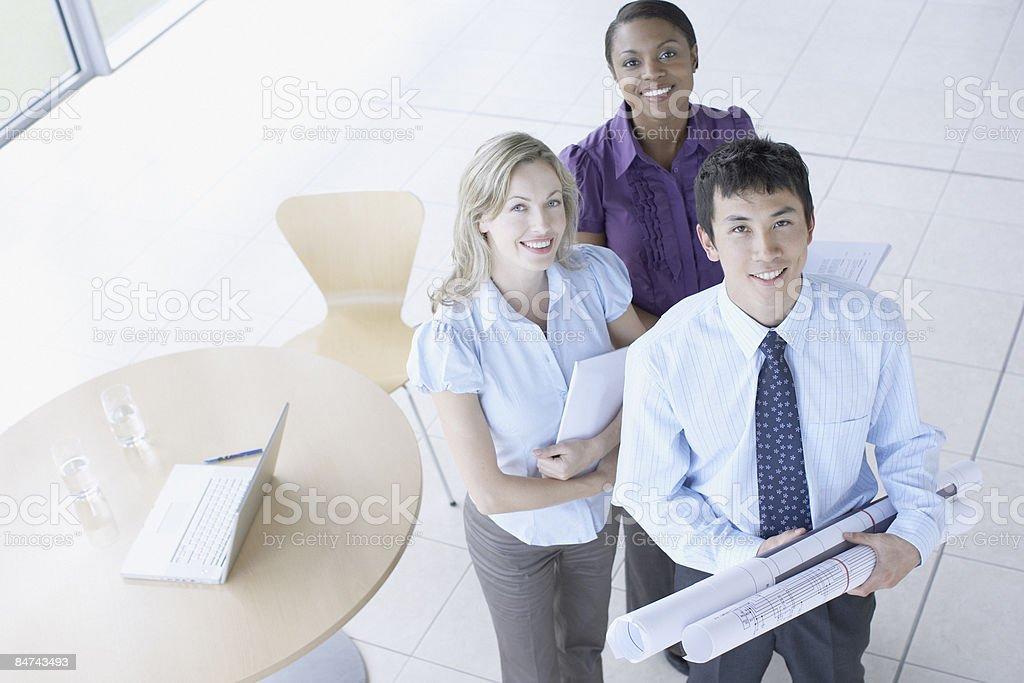 Hommes d'affaires dans l'organisation de réunions photo libre de droits
