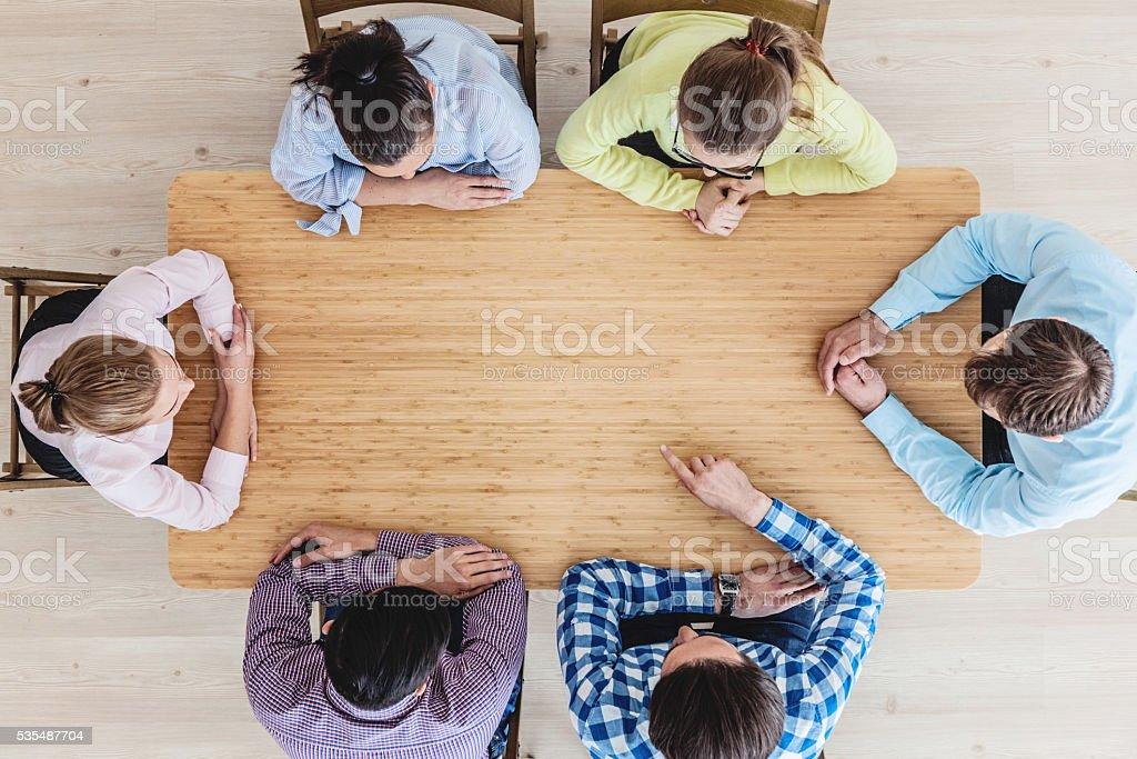 Business zusammen am Tisch – Foto