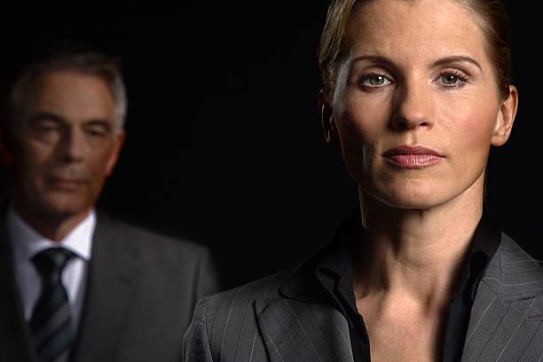 Geschäftsfrau und Geschäftsmann – Foto