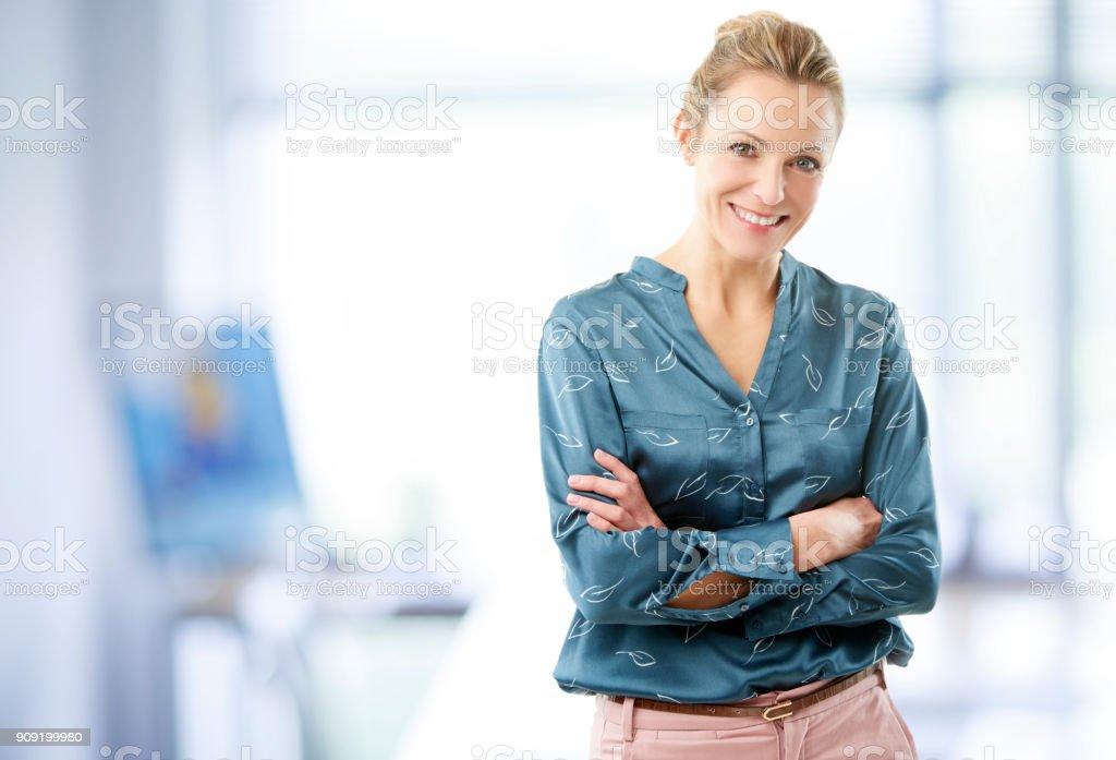 Femme d'affaires dans le bureau - Photo