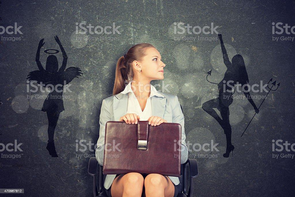 Fotografía de Empresaria Enmarcado Por Sombra De ángel Y Devil y más ...
