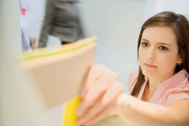affärskvinna i office - temporär bildbanksfoton och bilder