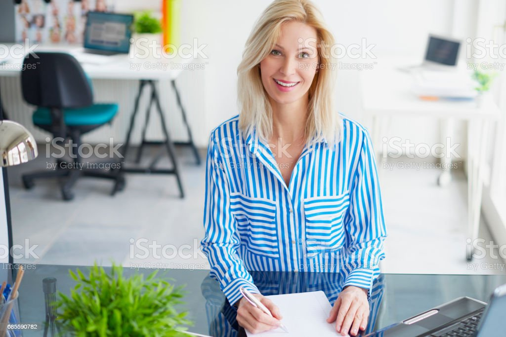 Businesswoman in the office royalty-free 스톡 사진