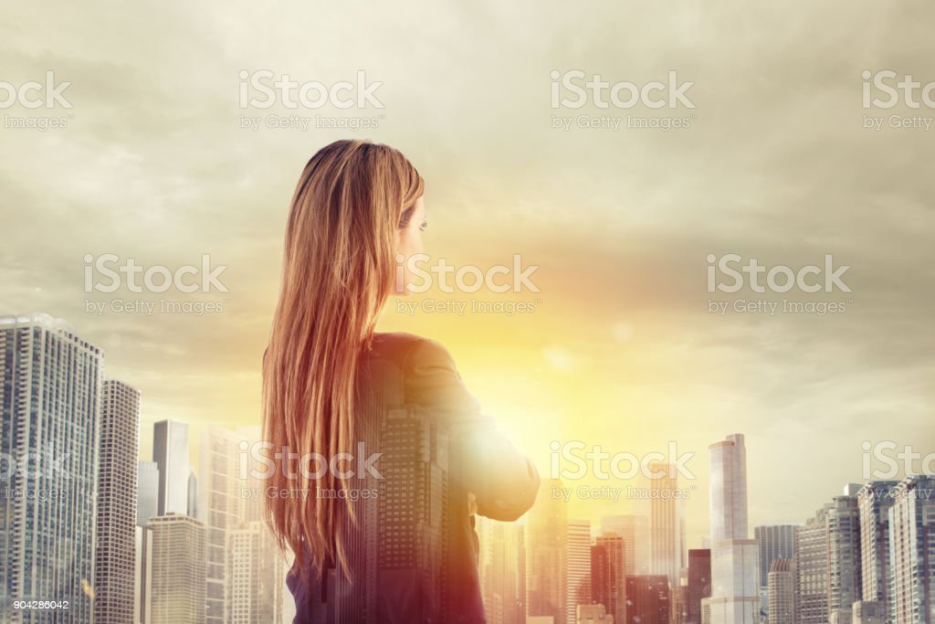 Businesswoman looks far for the future foto stock royalty-free