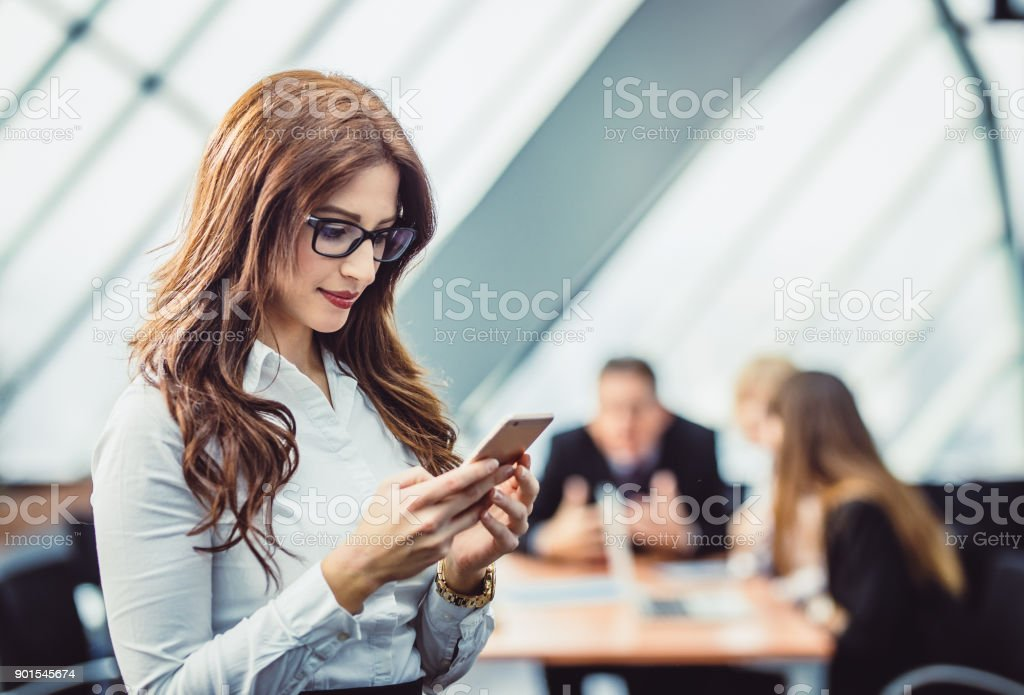 Geschäftsfrau am Telefon – Foto