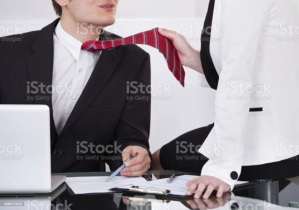 Женщина в галстуке секс