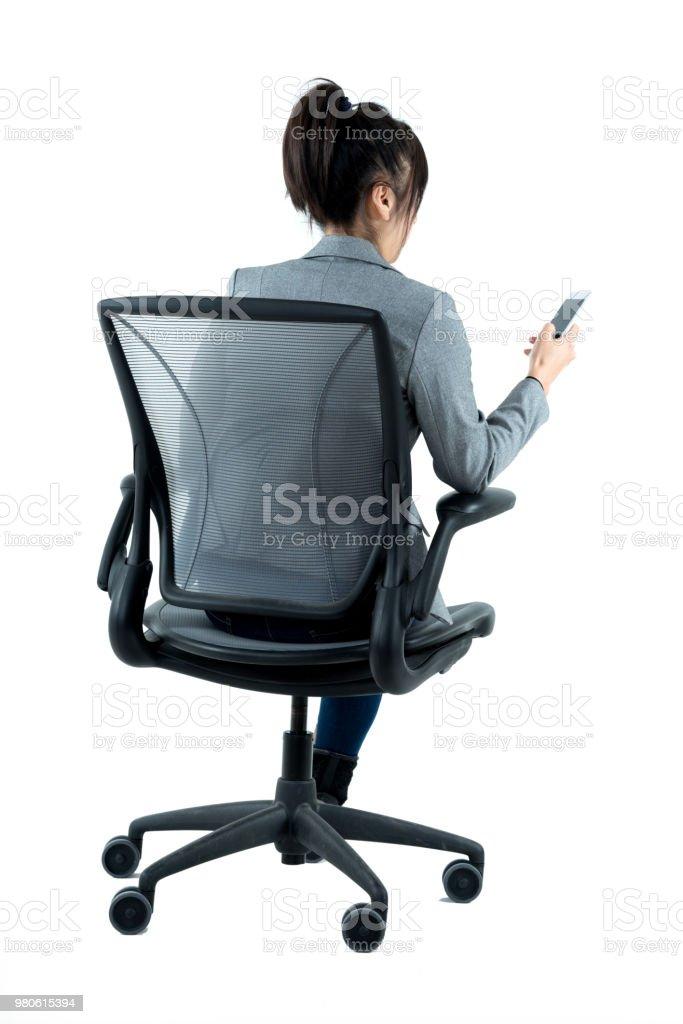 En La Oficina Y Sentado Usar Teléfono Empresaria Foto Silla De e9IWEDH2Y