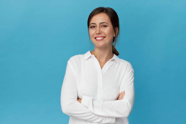 Businesswoman studio portrait confidence woman in elegant white shirt picture id1129386535?b=1&k=6&m=1129386535&s=612x612&w=0&h=ovzvsq0wejvjwsii e7vwp4ofzh1poptnaduegc2ice=