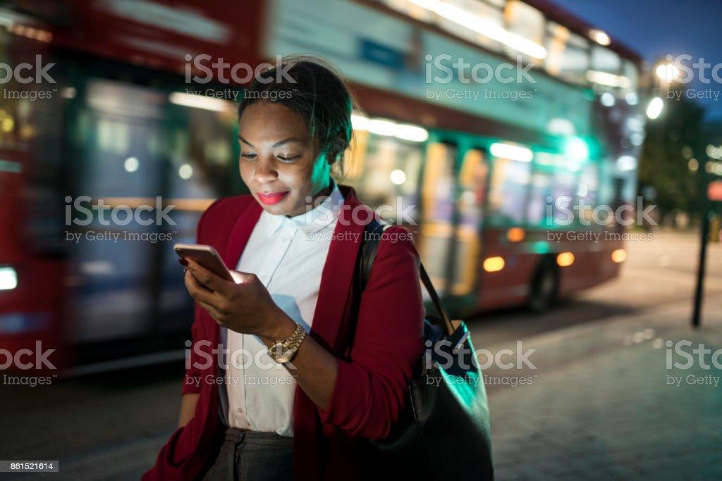 Geschäftsfrau mit tablet PC  – Foto