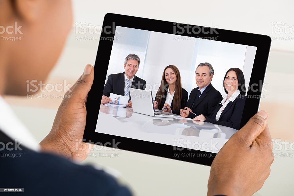 Businesswoman Video Conferencing On Digital Tablet – Foto