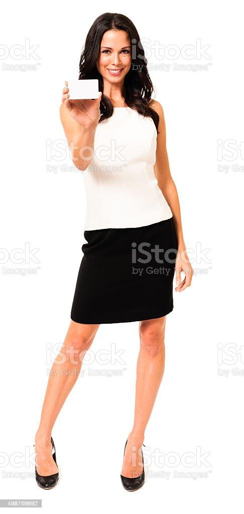 Femme d'affaires avec une carte de visite vide isolé sur blanc - Photo