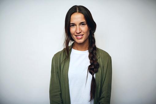 Businesswoman With Braided Hair Over White Stockfoto und mehr Bilder von 25-29 Jahre