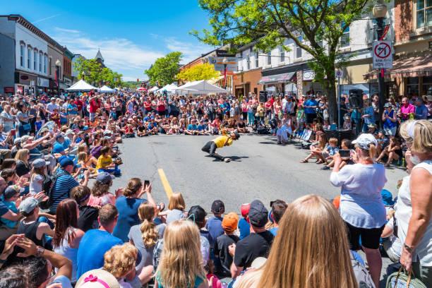 Buskerfest en el centro de Dundas Ontario Canadá - foto de stock