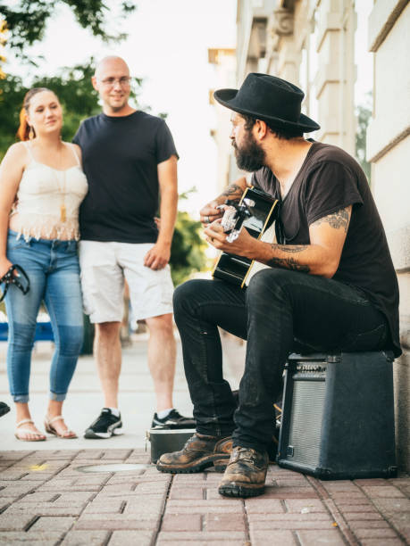 Músico callejero callejero - foto de stock