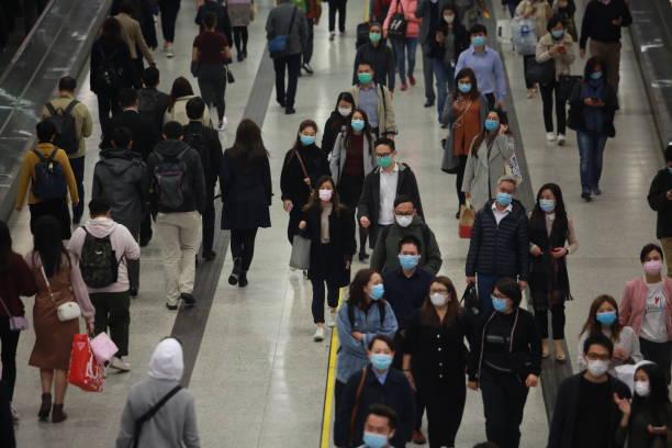 livlig t.o.m. centralstation i hong kong den 2020 - cold street bildbanksfoton och bilder