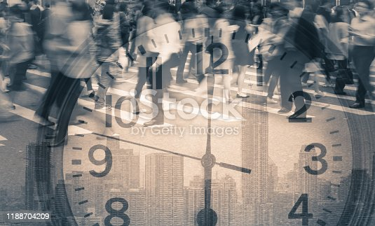 813211754 istock photo Busy city street 1188704209