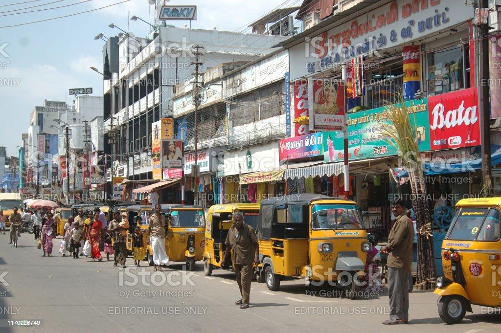 Tirunelveli, Tamil Nadu, India, November 16, 2009: Streets crowded...